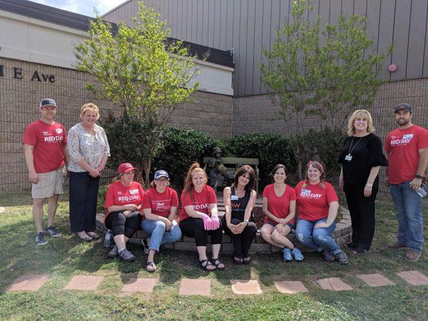 Mills Elementary Receives Donation from Keller Williams