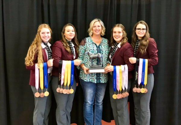 Annabelle Hays, Hannah Cain, Coach Patterson, Lara Hays, Mikayla South
